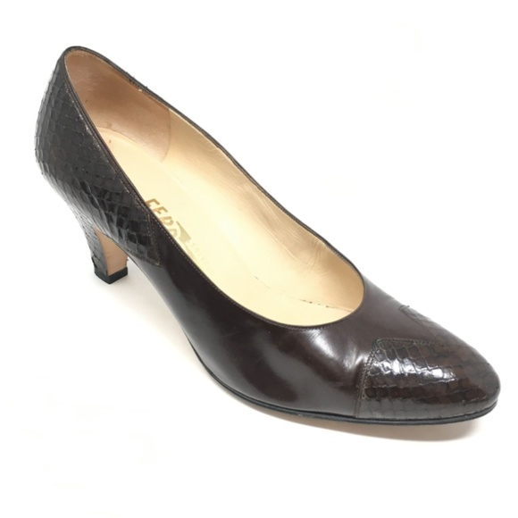 Salvatore Ferragamo Shoes - Women's Salvatore Ferragamo Pump Heels Size 7.5B